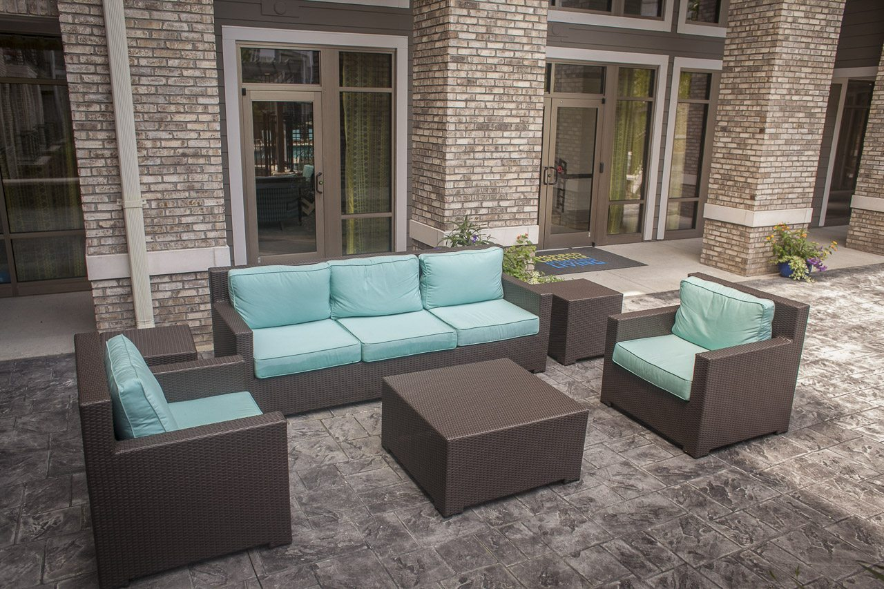 4 Benefits of an Outdoor Living Space