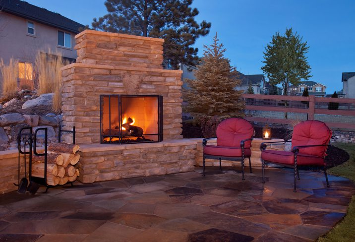 Benefits of Outdoor Fireplaces and Fire Pits